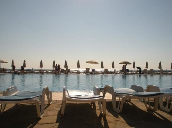 Riviera Beach: бассейн