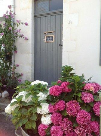 Chambres d'hôtes sur l'île de Ré à la Noue : entrée de la maison d'hôtes
