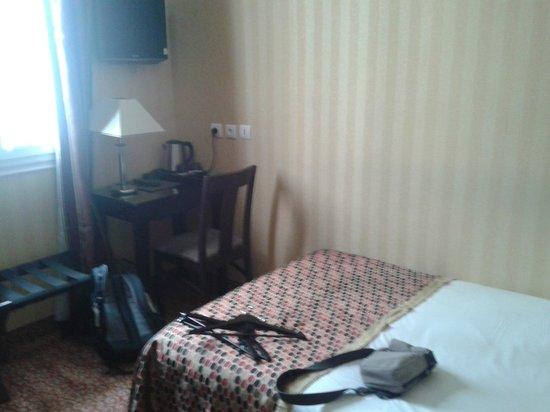 Hotel Convention Montparnasse: Habitación