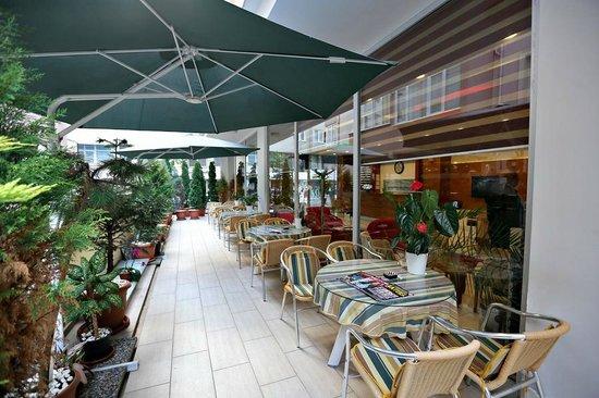 Hotel Avcilar City: garden