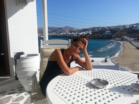 Akrotiraki: La spiaggia sotto all'hotel