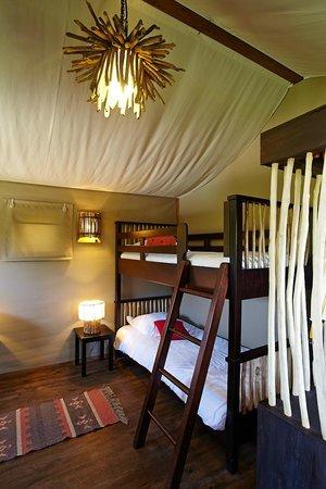 les lodges du pal hotel dompierre sur besbre voir les tarifs et 207 avis. Black Bedroom Furniture Sets. Home Design Ideas