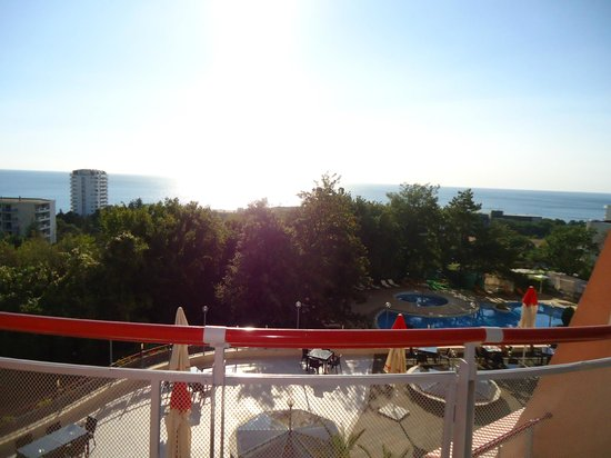 DoubleTree by Hilton Varna - Golden Sands: view from the room