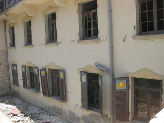 Profitis Ilias: One of the disused buildings