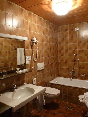 Hotel Fameli: Bagno.