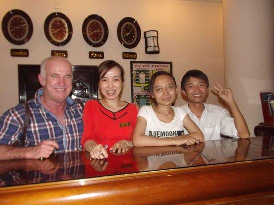Nhi Nhi Hotel : friends