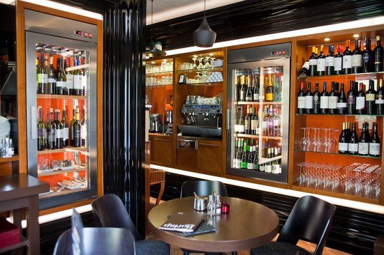Bar Centro: Wines & Tapas