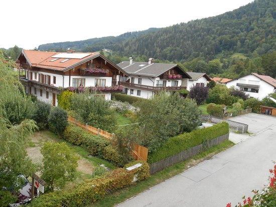 Hotel Alp Inn: Balcony View