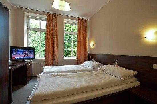 Cesarski Hotel: pokój 2-os