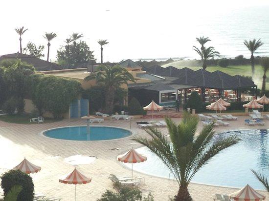 Nour Palace Resort : bar de la piscine