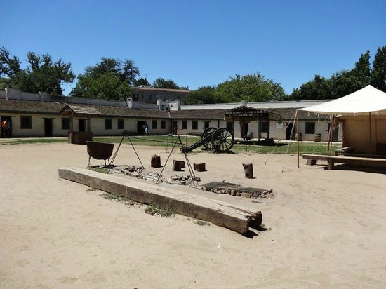 Sutter's Fort State Historic Park: Sutter's Place