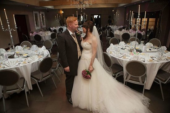 Ashbourne Hotel: Wedding Picture in the Oak Room