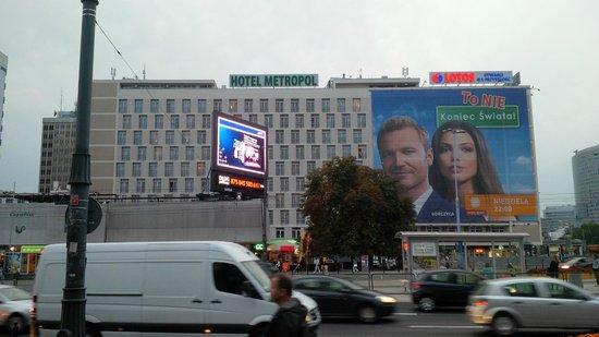 Metropol Hotel: Das Hotel vom Novotel aus fotografiert