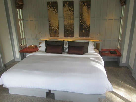 The Surin Phuket: Bed