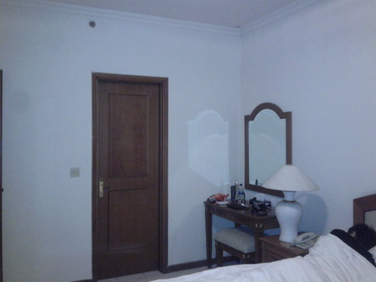 Puri Casablanca Serviced Apartment: Tempt Tidur dan Cermin