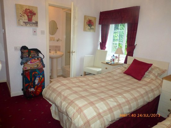 Glyntwrog House: Twin Room