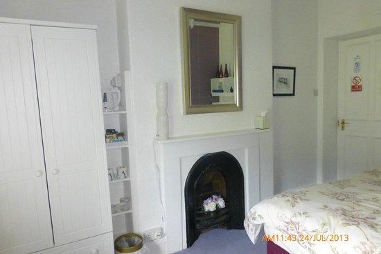 Glyntwrog House: Double Room