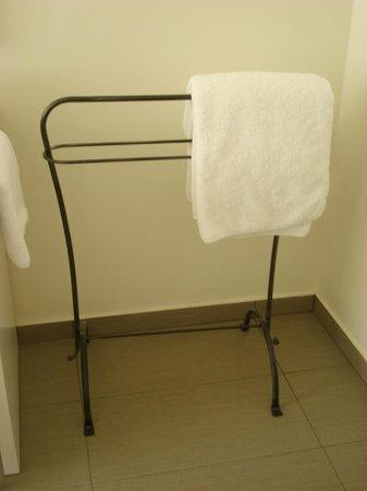 Alexandros Hotel : Η βάση για τις πετσέτες
