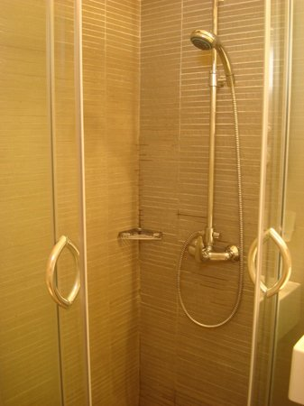 Alexandros Hotel: Η ντουσιέρα