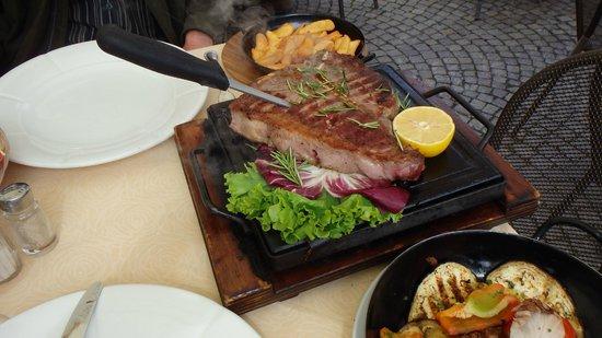 Trattoria Gagin: Here's our steak