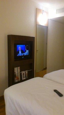 ibis Zurich City West: Room