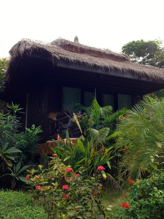 Palm Leaf Resort: Our bungalow