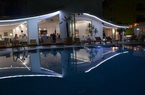 Hotel Bellavista: Abendansicht