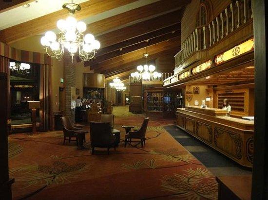 DoubleTree by Hilton Durango: Lobby