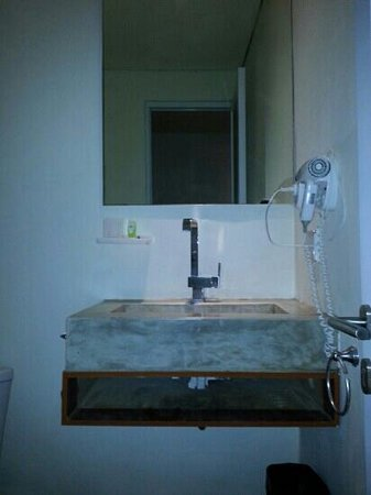 Jocs Boutique Hotel & Spa : cool looking sink