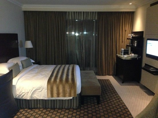 InterContinental Johannesburg OR Tambo Airport : The comfortable bed!!!