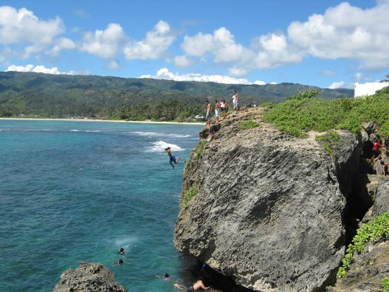 Laie Point State Wayside Park: Cliff Diving