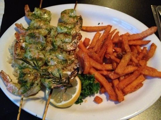 Village Steakhouse and Pub: Grilled shrimp