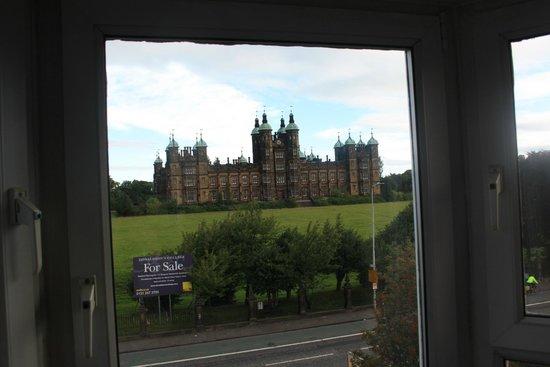 Ashgrovehouse Hotel: Vistas desde la ventana del ático