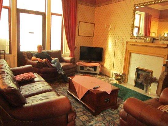 Ashgrovehouse Hotel: Saloncito común