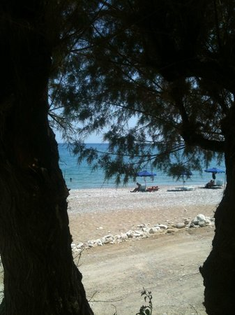 Kozas Studios: Dall'hotel la spiaggia