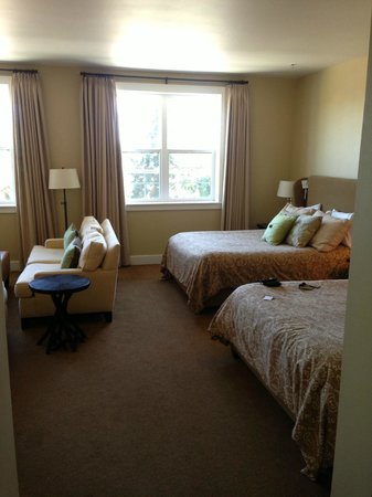 Inn at Red Hills : A room with room