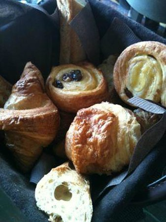 Courcelles-Parc: Breakfast delights