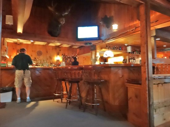 Ogunquit Lobster Pound Restaurant : Nice Cozy Bar