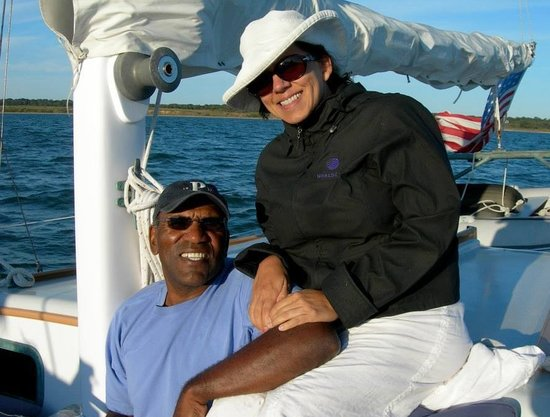 East End Charters LLC-Day Tours: Refresh your spirit on the water