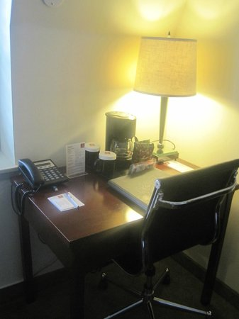Clarion Hotel-Downtown Oakland: We had everything we needed