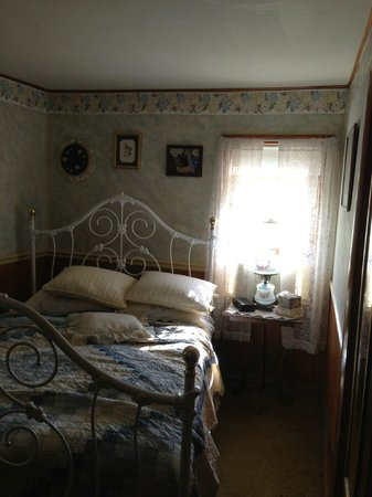 Farmstead Bed And Breakfast : Petite chambre