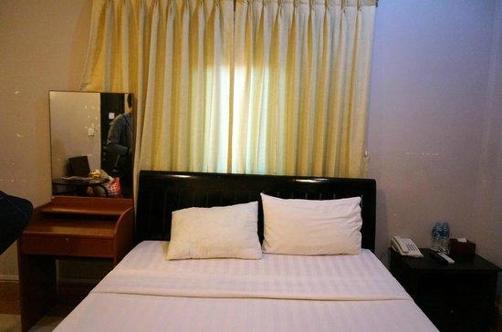 Circuit Hotel: Room