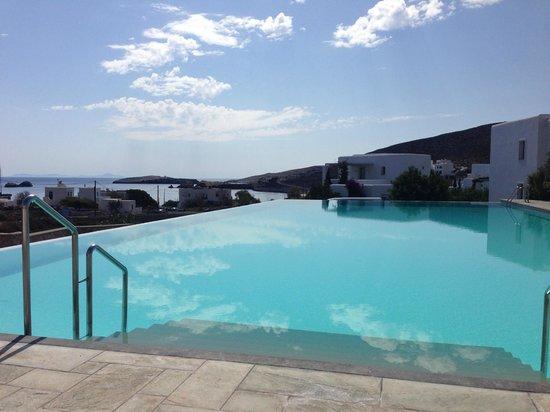 Anemi Hotel : infinity salt water pool