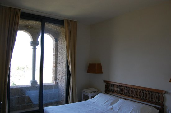Locanda Palazzone: One of the bedrooms in the family-suite.