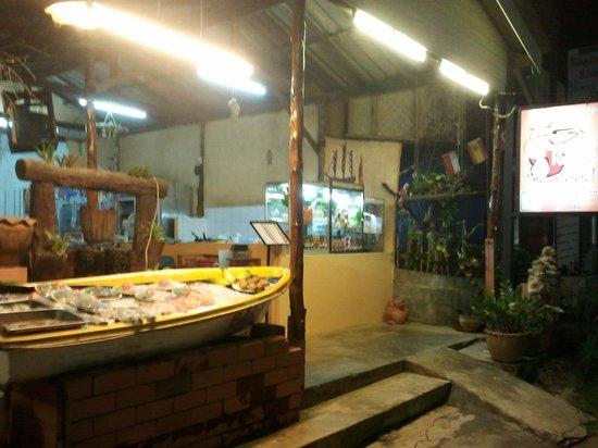 Baan Kai Bae Seafood : entrada del restaurante