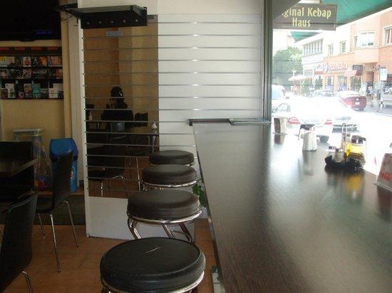Original Kebap House : window seating