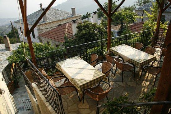 Agios Lavrentios, Греция: η αυλη