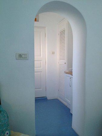 Remezzo Villas: Perspectiva de la entrada de la habitacion doble