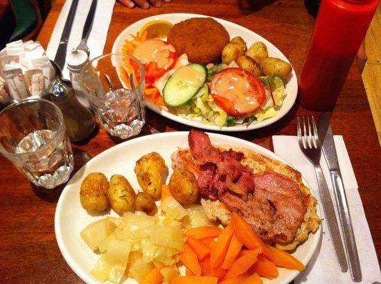 Stockpot: La portata principale, hamburger di Tonno e fettina di maiale