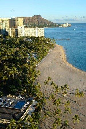 Hilton Hawaiian Village Waikiki Beach Resort: View From Our 25th Floor (Room 2517) room in the Rainbow Tower